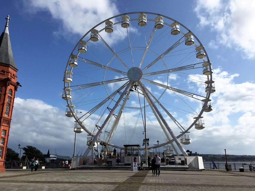 Large ferris wheel at Cardiff Bay