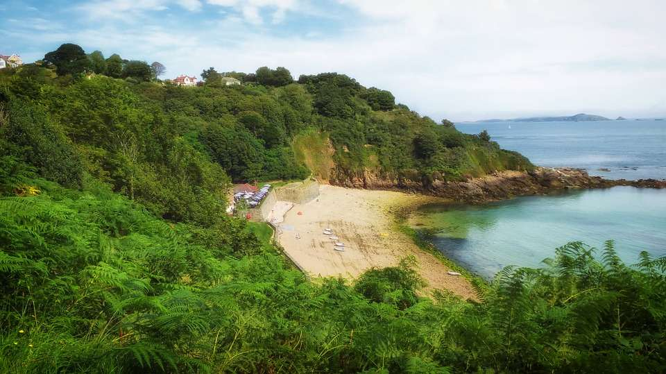 5 Reasons to Visit Guernsey - beautiful sandy beaches.